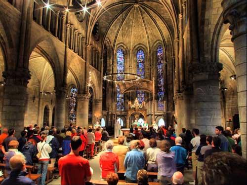Pilgermesse in der Kirche in Roncesvalles